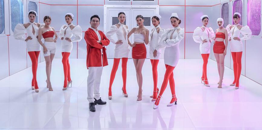 Hồ Ngọc Hà làm y tá cho Bác sĩ Chiêm Quốc Thái trong MV mới