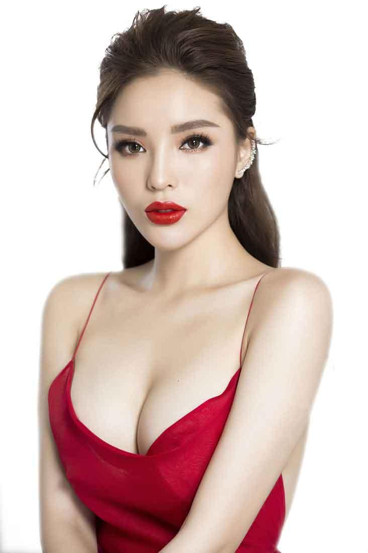 Hoa hậu Kỳ Duyên phẫu thuật nâng ngực